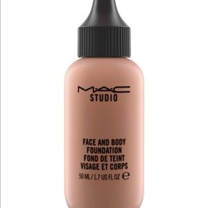 MAC face and body foundation C7